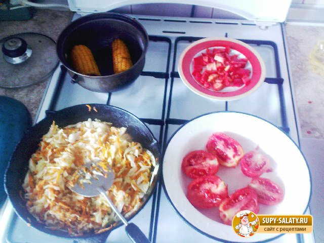 Овощное рагу с кукурузой