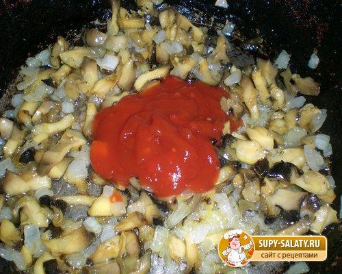 Рапаны, жареные в томатном соусе