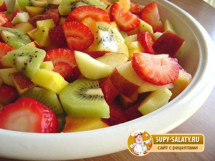 Фруктовый салат для малыша
