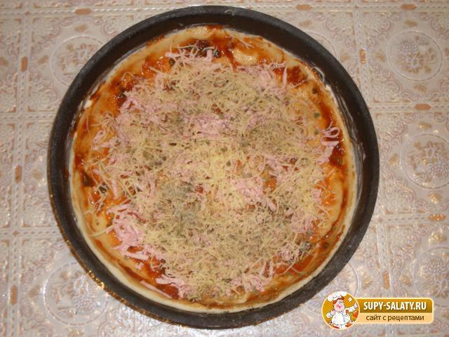 Пицца с колбасой и сыром. Рецепт с пошаговыми фото