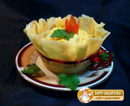 Рецепты на Масленицу: сырный салат