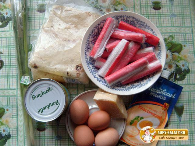 Рулет из лаваша с салатом. Рецепт с пошаговыми фото