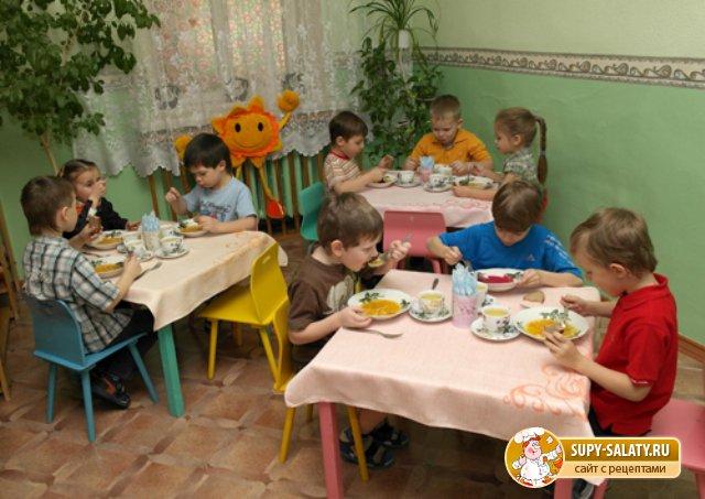 Питание в детском саду. Каким оно должно быть?