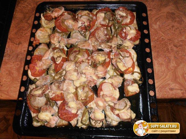 Баклажаны, запеченные с куриной грудкой и овощами. Рецепт с фото