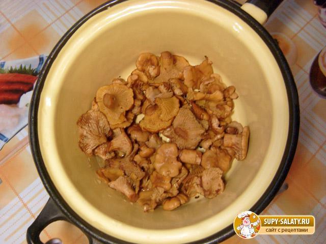 Картошка, жаренная с лисичками. Рецепт с пошаговыми фото