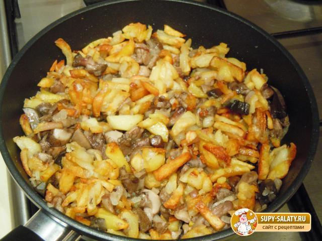 Картошка с грибами - Все рецепты России