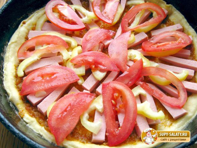 Пицца с колбасой. Рецепт с фото