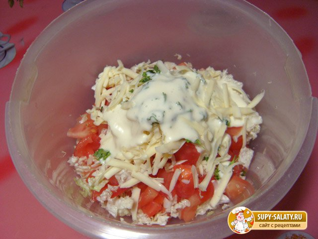 Салат из пекинской капусты с помидорами. Рецепт с фото