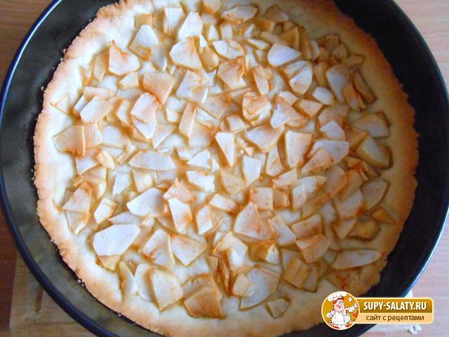 Песочный пирог с фруктами в желе