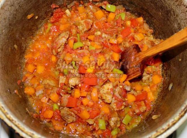 Свинина, томленная с гречкой в горшочках - рецепт