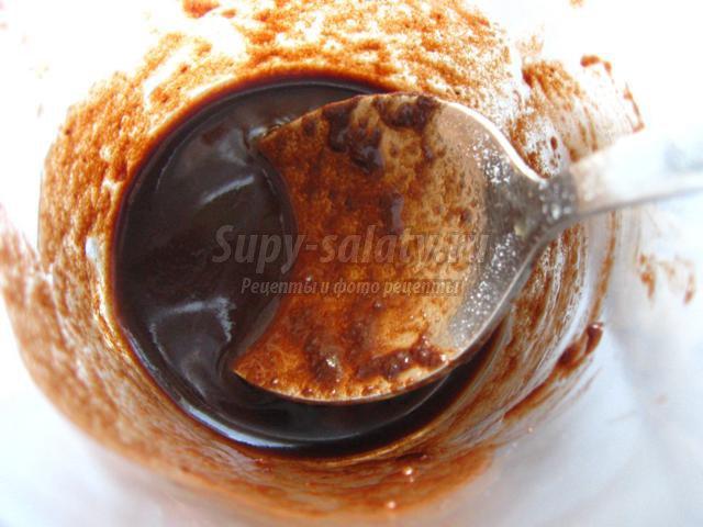Ореховый кекс с шоколадной глазурью