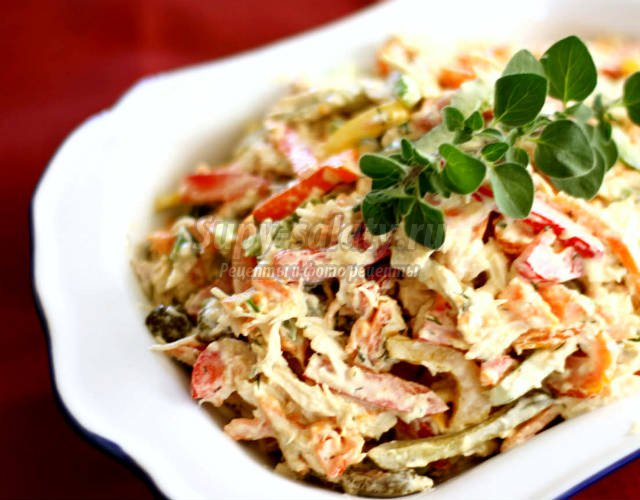 Resim arama hizmeti sayesinde tüm netden bulunan salatlar foto