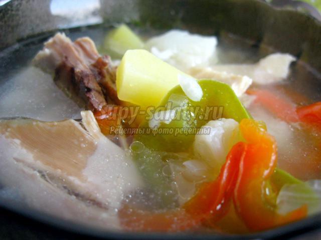 Куриный суп с рисом и болгарским перцем