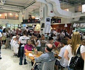 Кулинарии заменяют домашнюю пищу и рестораны