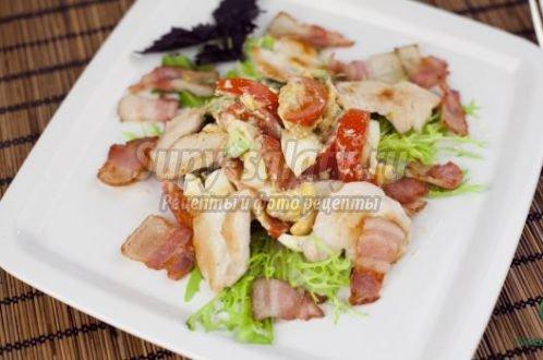 пикантный салат с чесноком