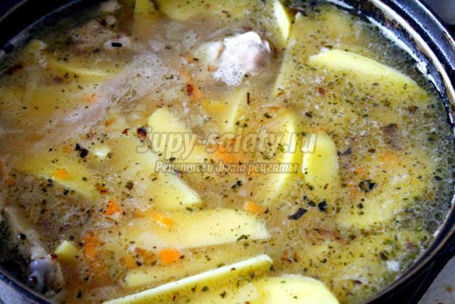 вкусный соус с курицей