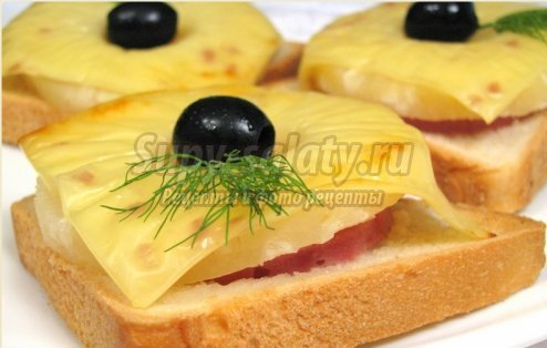 Готовим бутерброды на завтрак