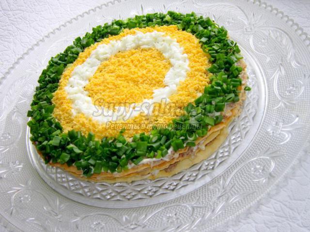 слоеный пирог с рыбной прослойкой