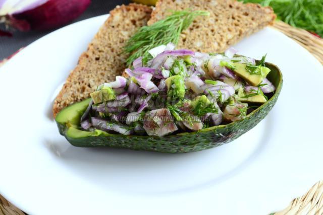 салат с сельдью и авокадо