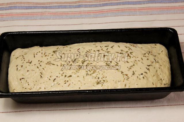 хлеб на опаре с прованскими травами и оливковым маслом