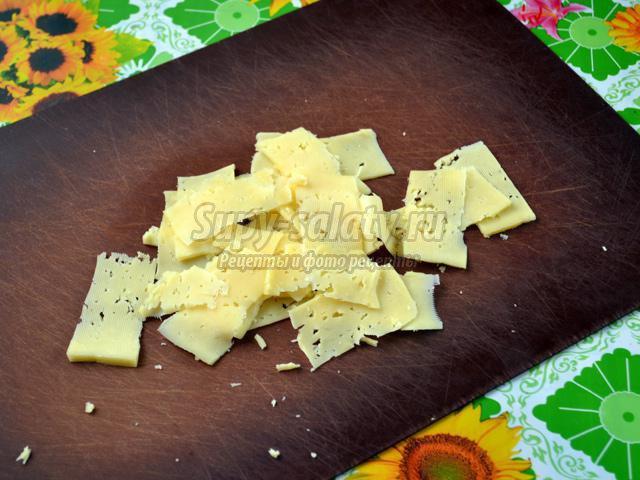 салат из дайкона со свежим огурцом и сыром