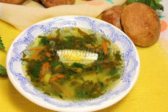 летний суп со щавелем и крапивой