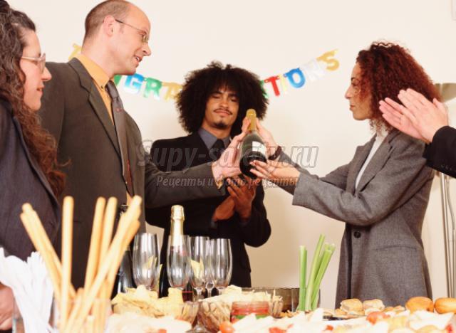 Как организовать угощение в офисе на день рождения