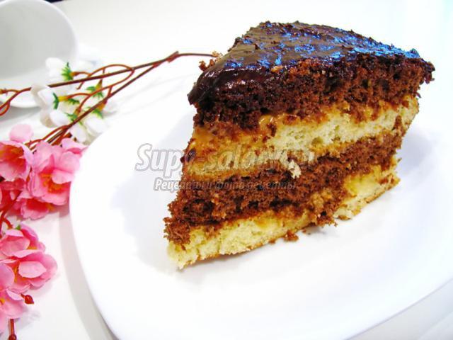 бисквитный ванильно-шоколадный торт