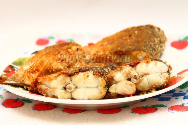 запеченная рыба в панировочных сухарях