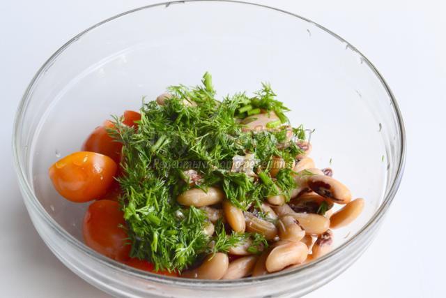 салат из фасоли и помидор
