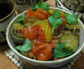 Овощное рагу с баклажанами картофелем и капустой