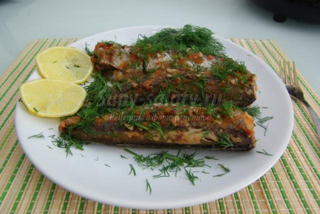 Рыба на овощной подушке в мультиварке