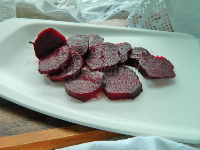 салат из свеклы и красного лука