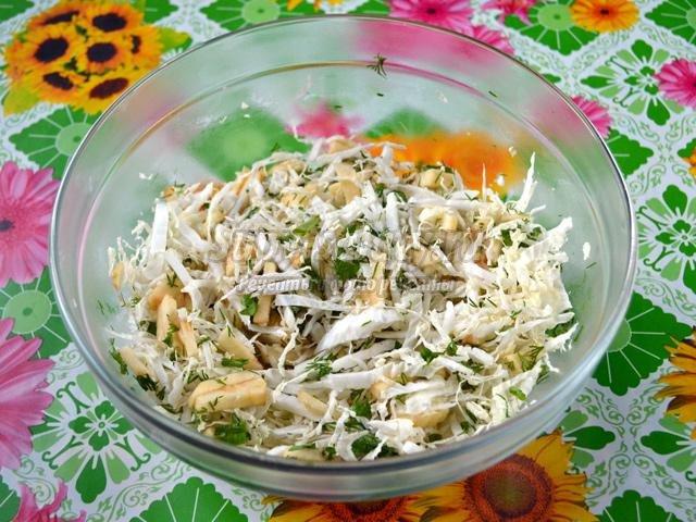 рецепт салата с пекинской капустой и курицей и огурцом