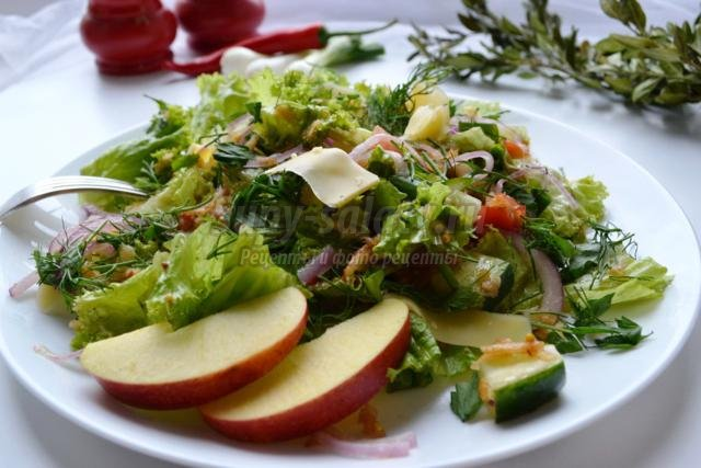 салат с яблоком и твердым сыром