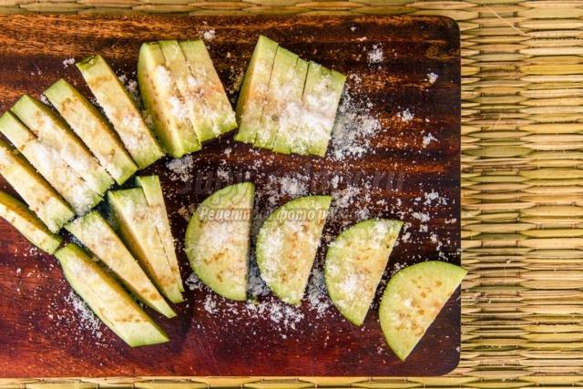 слоеная закуска из баклажанов на зиму