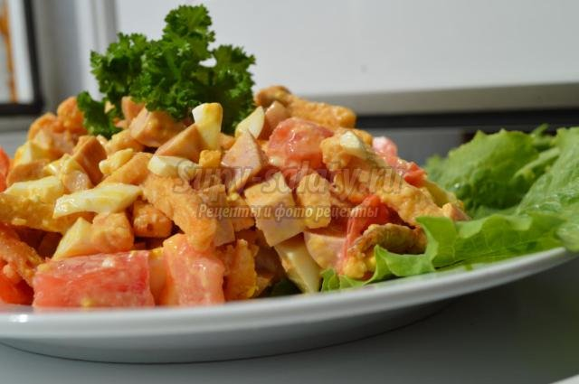 Быстрый салат с сухариками рецепт