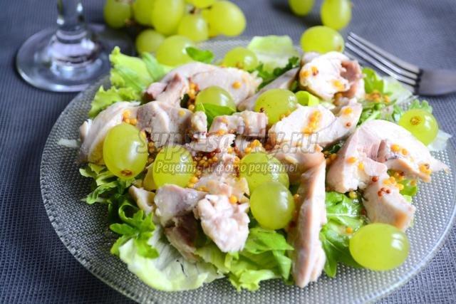 салат из курицы с рукколой