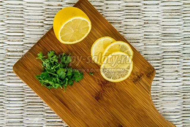 солянка с колбасой и оливками