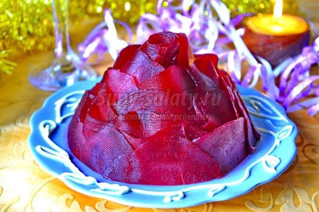 салат из свеклы. Бордовая роза