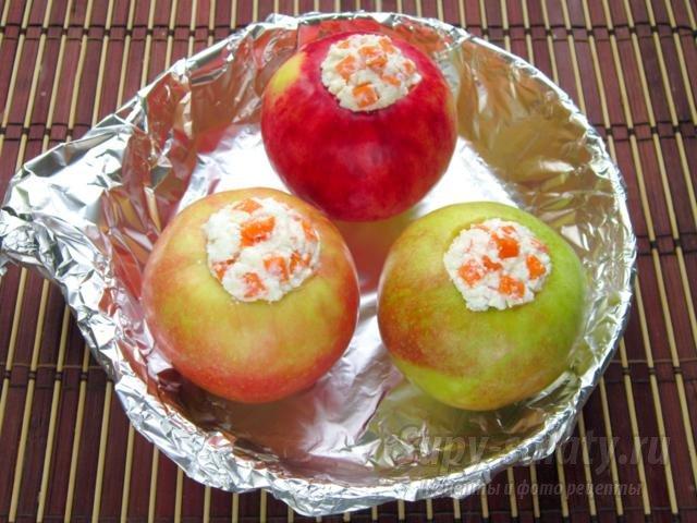 яблоки, запеченные с творогом и тыквой
