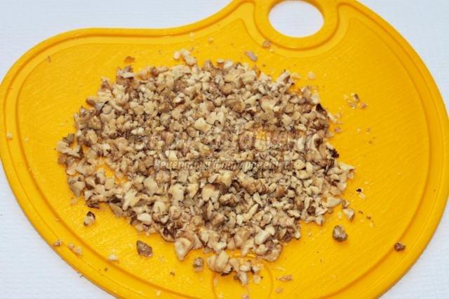 слойки с тыквой, изюмом и грецкими орехами