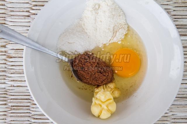 новогодний кекс с бананами и шоколадом за 5 минут