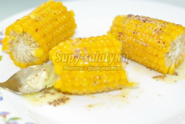 вареная кукуруза в беконе