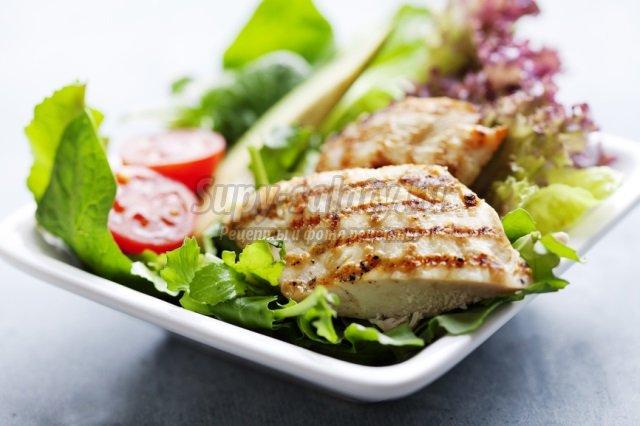 Диетический салат с куриной грудкой: лучшие рецепты