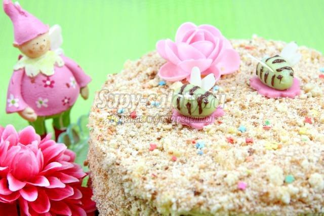 медовый торт на день рождения. Пчелки