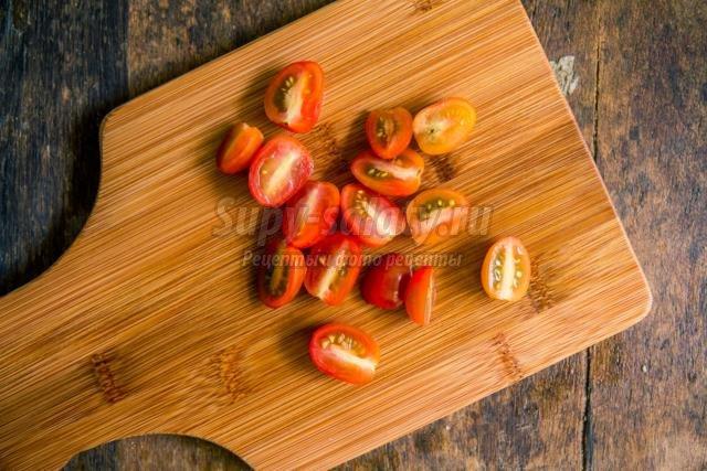 новогодний рыбный салат с барракудой и оливками