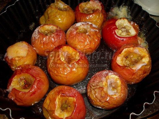 Запеченные яблоки в духовке рецепт с фото пошагово
