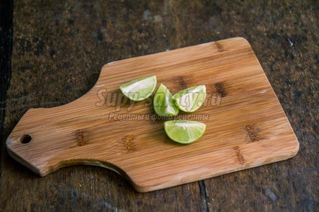 устрицы в вине и лимоне