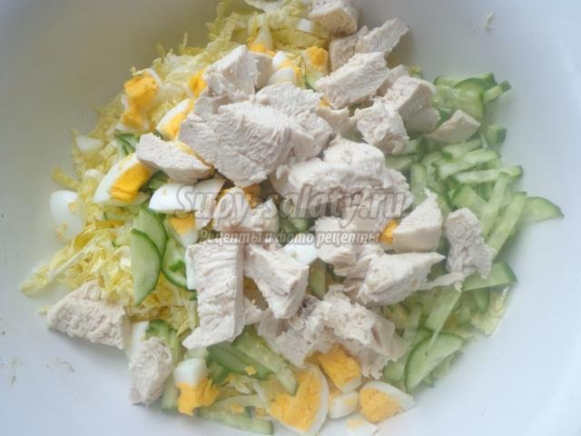новогодний салат с курицей и пекинской капустой